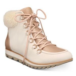 NIB Sorel Luxe Lace up Boots